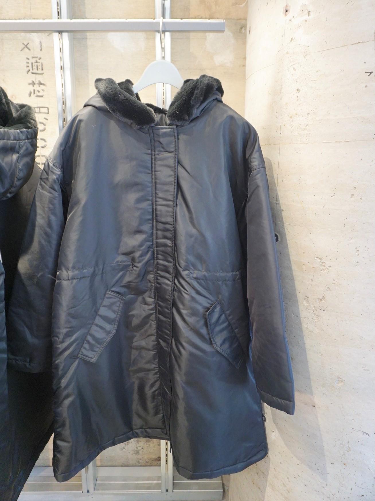 GU(ジーユー)の中綿ミリタリーコート