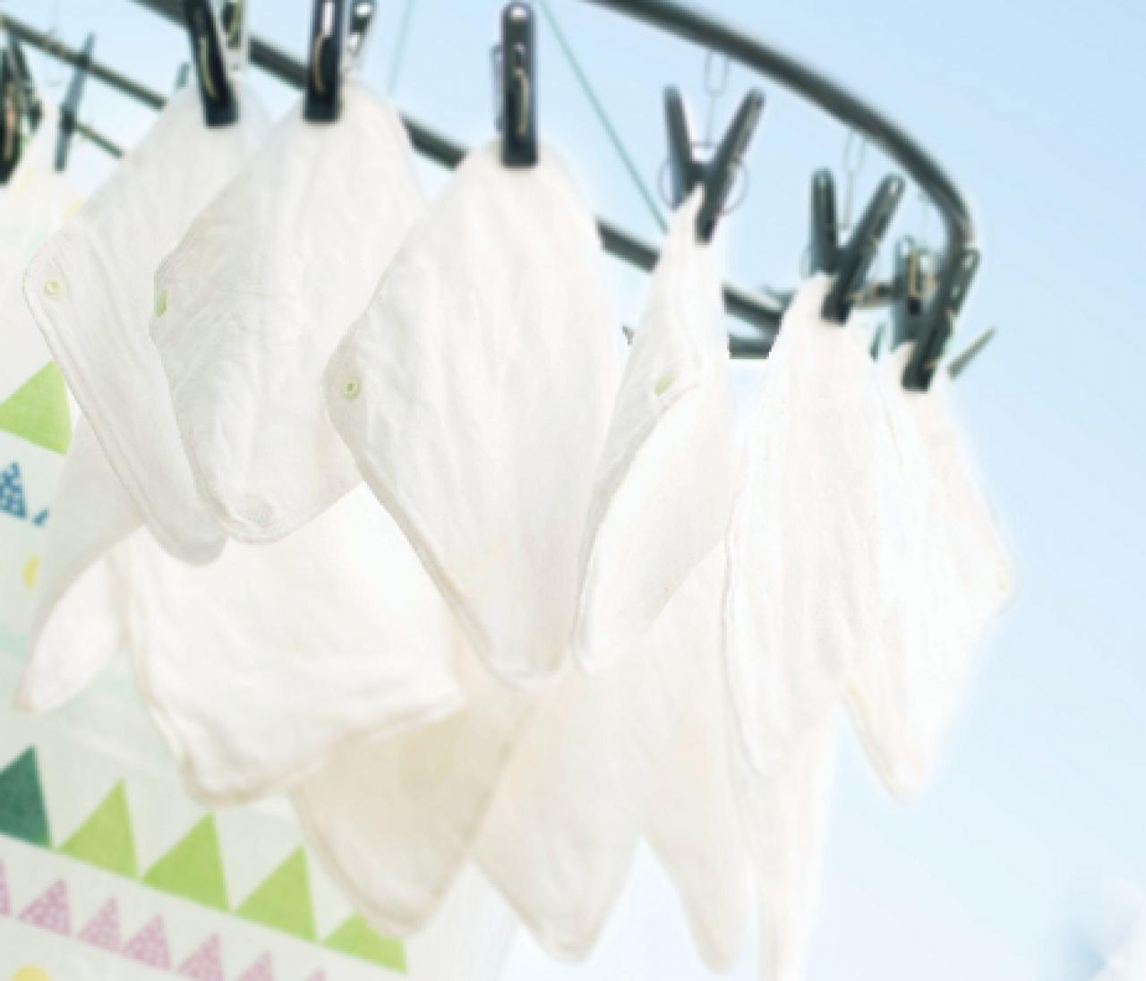 気になるトピック「布ナプキン」まとめ。洗うのは大変じゃないの? 持ち運びはどうするの?