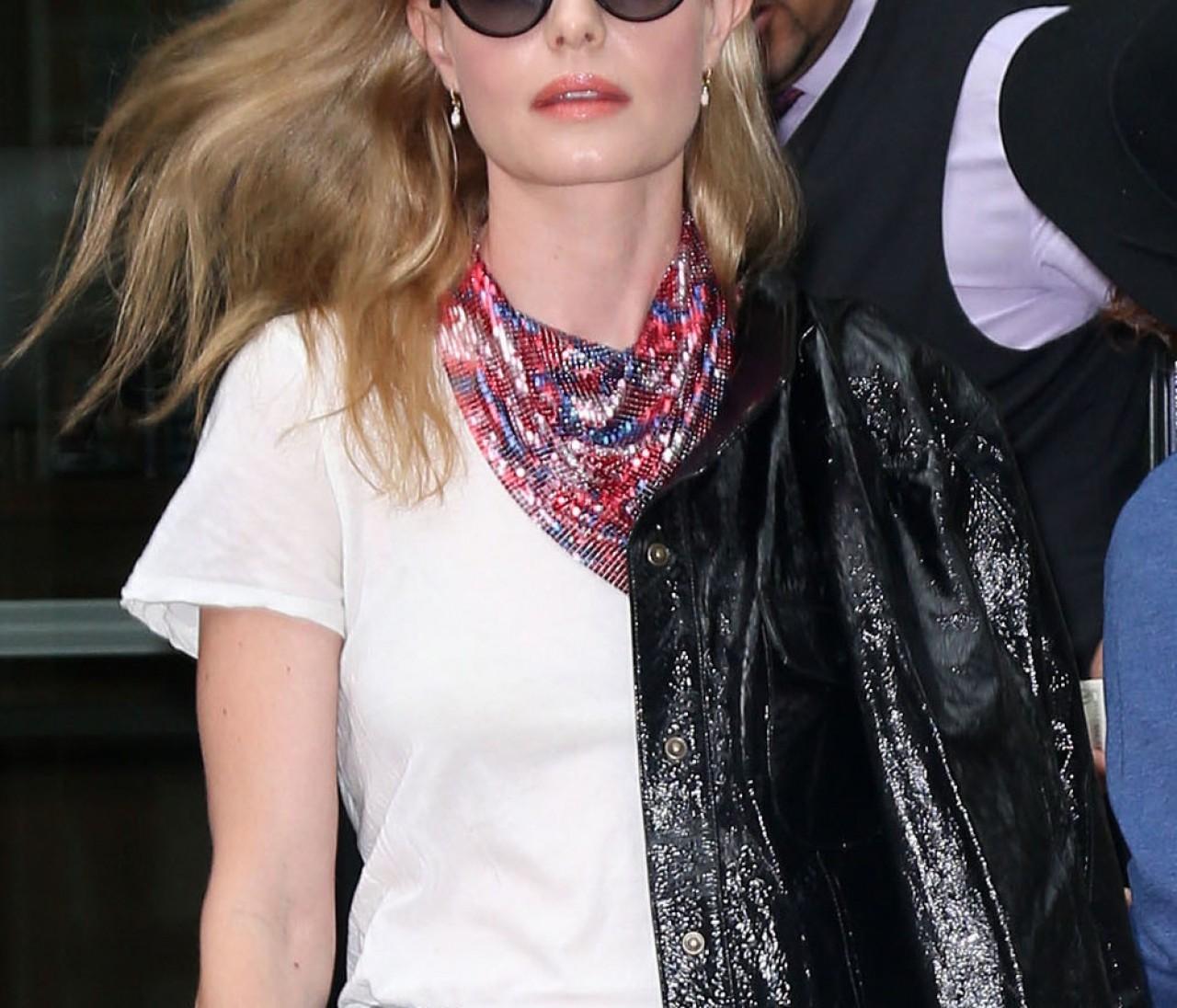 ケイト・ボスワースの、ハイライズデニムを女っぽく着る方法【日めくりセレブ】