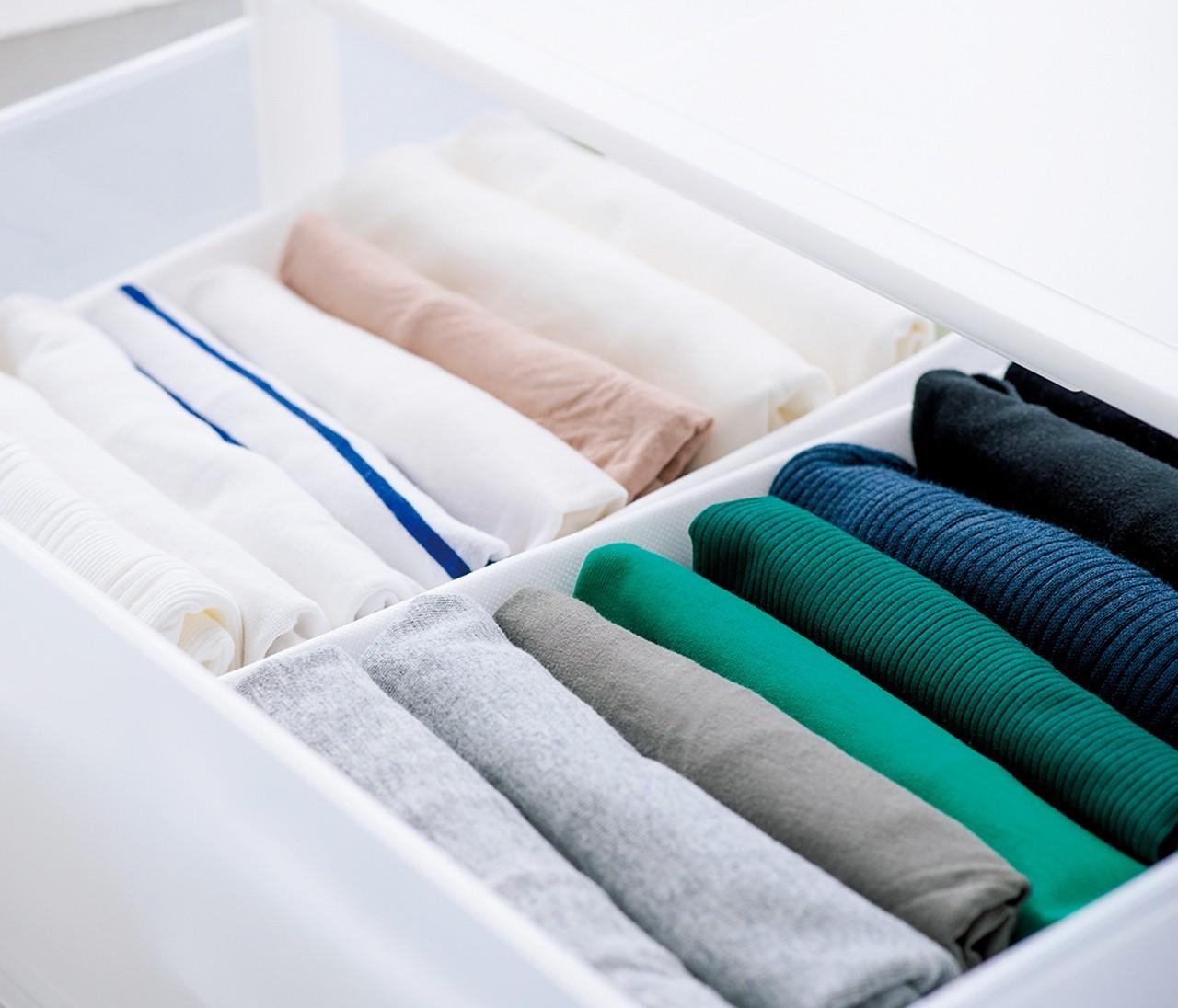 【開運収納の極意】<たたむ&かける>服の正しい収納方法とは?