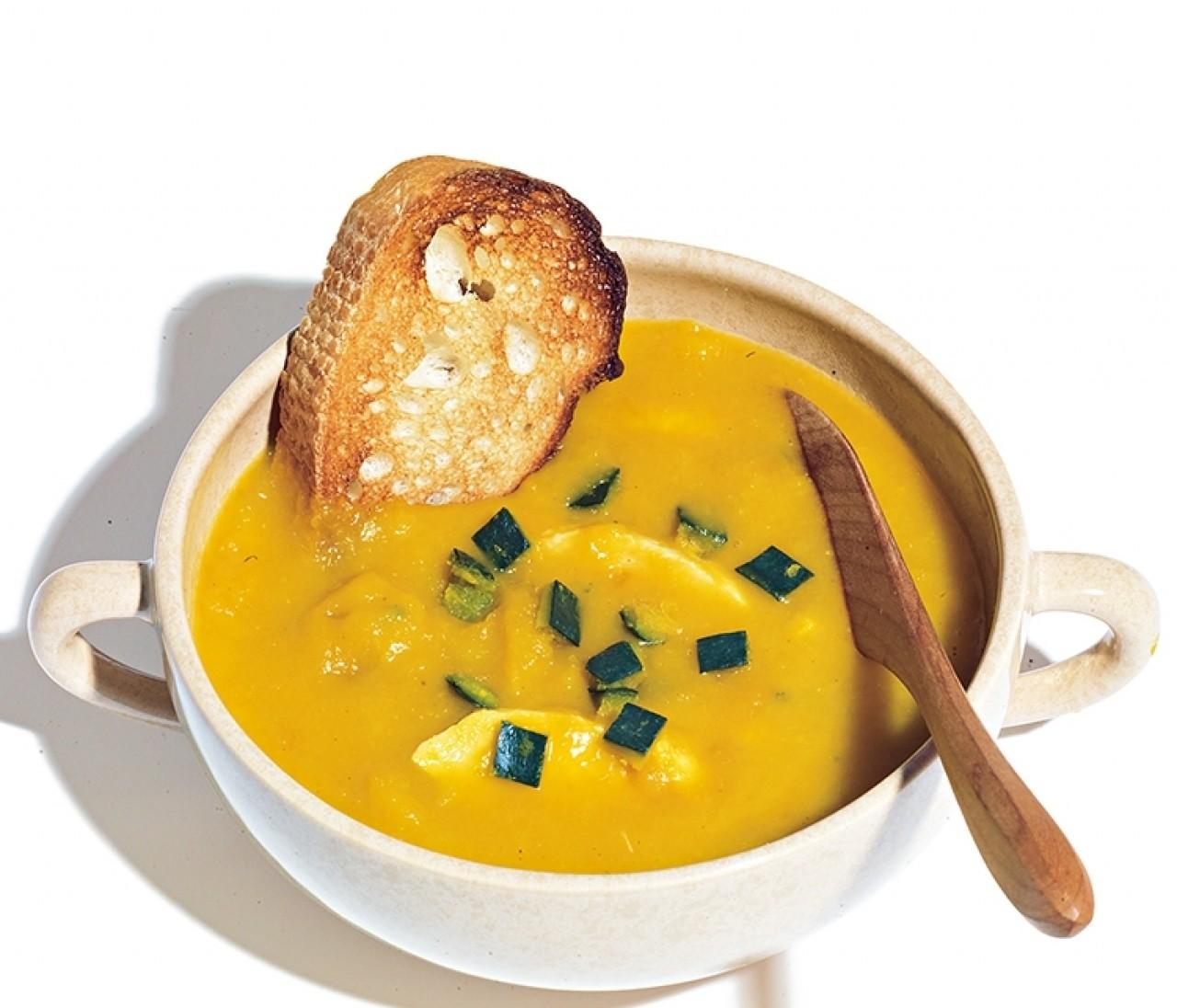 スープ作家が教える超簡単スープ4品♡コンビニ食材だけのスープも!【有賀 薫さんのスープレシピ①】